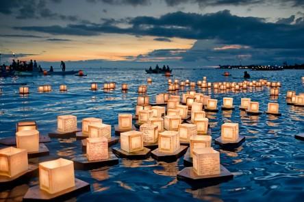 #1. Lantern-Floating-Festival-in-Hawaii1